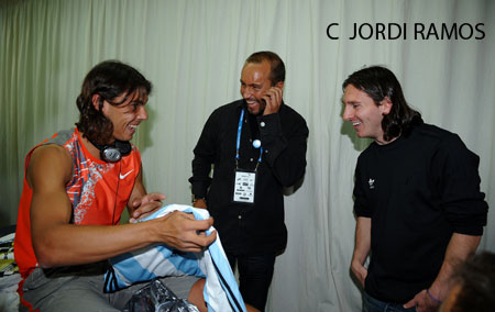 Photos et vidéos de Rafael Nadal - Page 2 71189844vn1-30625e